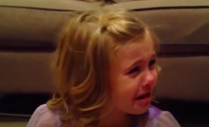 Esta Niña De 5 Años Esta Devastada Por La Razón Mas Increíble. Wow!